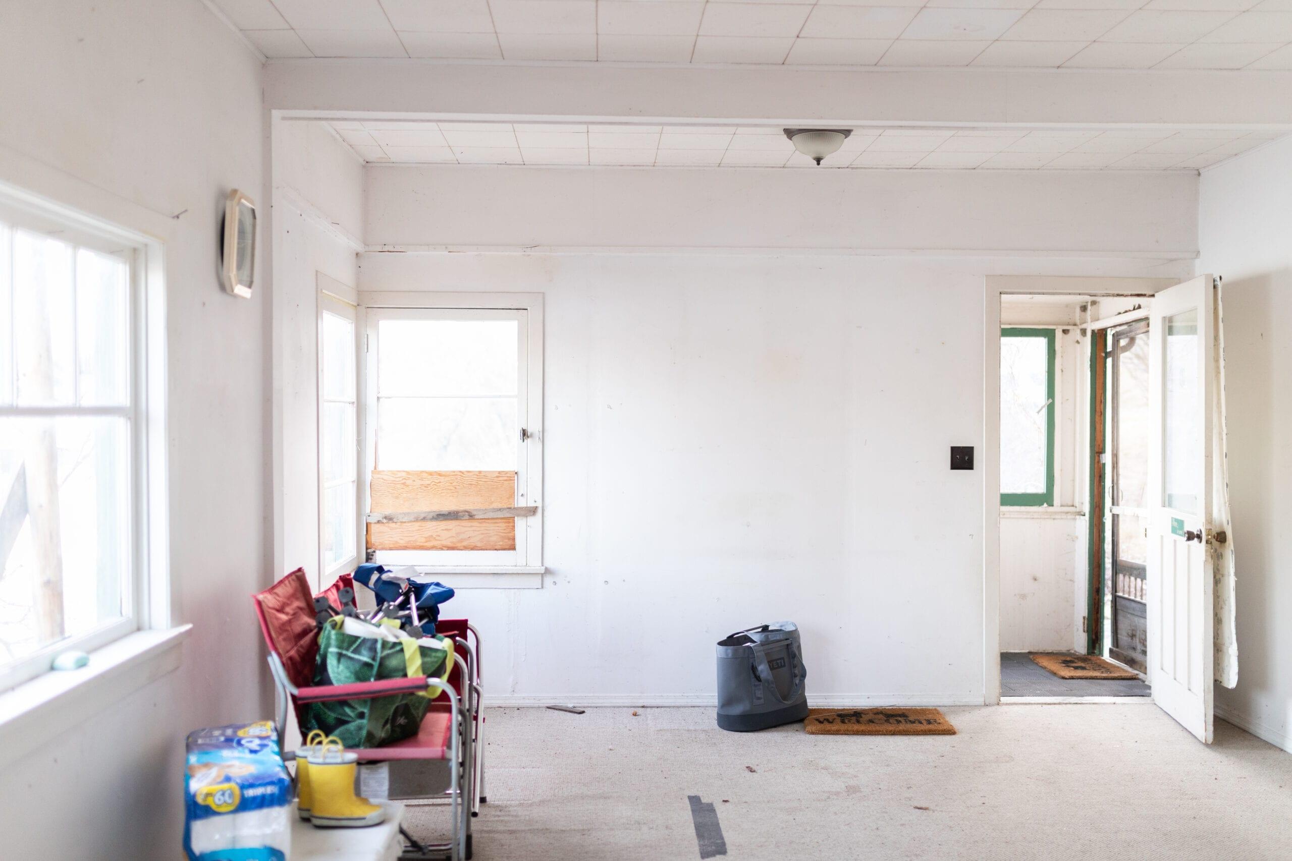 Jillian Harris' ranch house Living Room Before Photo